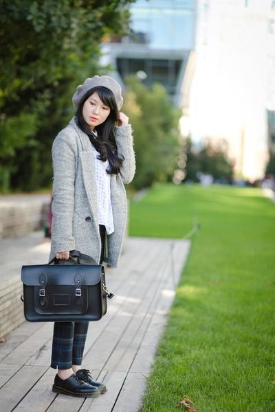 Messenger bags create such cute outfits!